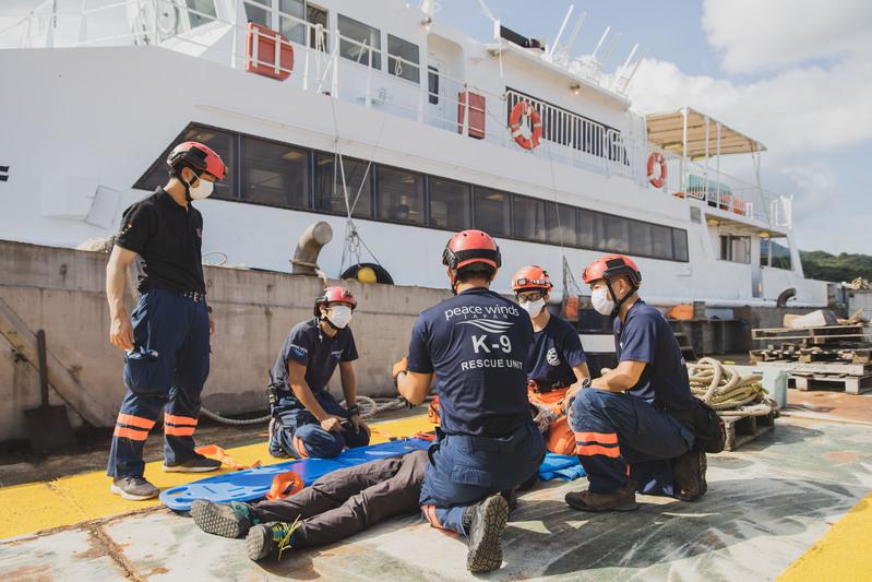 【災害対応医療船】救護所運営訓練ならびに洋上での救助訓練を実施